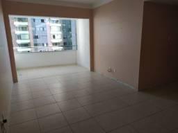 02 quartos, armários, infraestrutura - Itaigara!