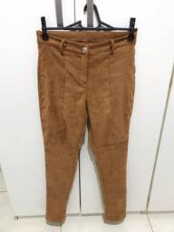 Calça de veludo nova, tamanho 38/40, 20 reais