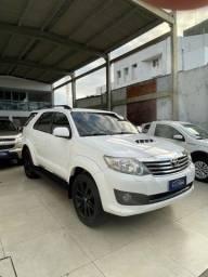 Toyota Hilux SW4 7 lugares 2015 (Auto Cruz veículos)