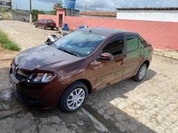 Logan 2014 1.6 carro muito novo encontra se em Solanea pb