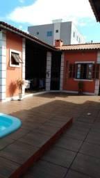 A-CA0485 Linda Casa 03 quartos (suite), piscina  / Ingleses