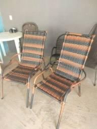 Cadeira na fibra sintética