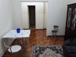 Apartamento em Copacabana Salão 2 Quartos (Sendo Um Suite) Dep. Completas.