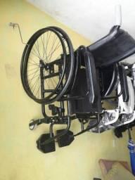Aluga-se Cadeiras de rodas