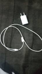 Vendo carregador de iPhone