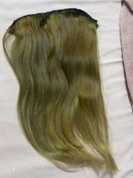 Vendo 2 Megas Hair  cabelos humano, cor: loiro 79cm c/ 7 telas.  Cont ato *