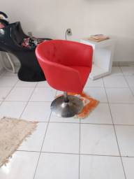 Cadeiras em hidráulica para salão