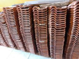 Vende-se telhas de barro usadas.