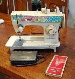 Vendo maquina de costura Singer Bobina Mágica 350 reais