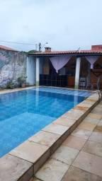 Casa com piscina na praia do Icaraí