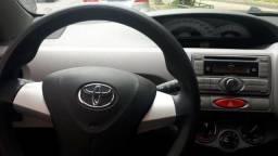 Toyota etios 2013/2013 xs flex unico dono 98 km - 2013
