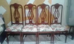 Mesa com quatro cadeiras Mogno