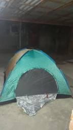 Vendo uma barraca de camping 4 pessoas nova