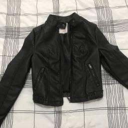 Jaqueta de couro PP preta está perfeita!