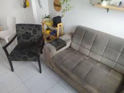Vendo sofá pequeno de dois lugares e poltrona