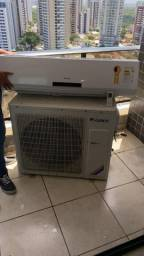 Ar condicionado semi-novo de 24 mil BTUs só no ponto de instalar