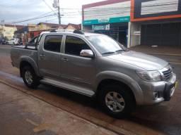 Toyota Hilux FLEX ano 2015 srv AUT. Ribeirão preto SP
