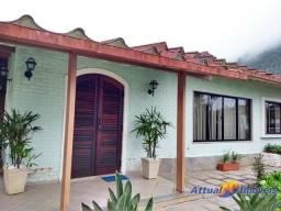 Excelente casa linear em condomínio fechado com 5 quartos (3 suítes), casa para hóspede e