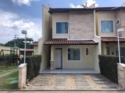 Vendo ou Alugo Casa Duplex em Condomínio na Lagoa Redonda