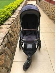 Carrinho de bebê com bebê conforto ABC Design