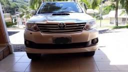 Toyota Hilux sw4  parcelado