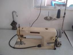 Vende-se uma máquina industrial costura reta