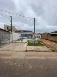 Casa com localização privilegiada em fazenda rio grande