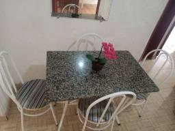 Mesa tampo mármore 4 cadeiras