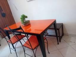Jogo de mesa Tok stok com cadeiras e bancos de vime gourmet terraço varanda