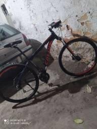 Estou vendendo essa bicicleta semi nova! Tem documento