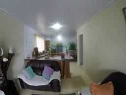 1308 - Ampla casa bem localizada no Centro de Cocal do Sul