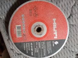 Vendo disco HILT para lixadeira, usado para cortar ferragens