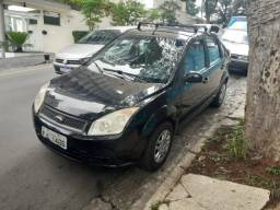 Fiesta sedan 1.6 2009 completo preto