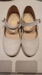 Sapatos infantil de couro