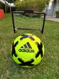 Bola de futebol campo são paulo - sp