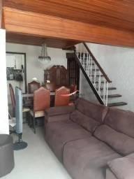 Casa de Vila= na Rua Pedro Américo