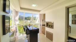 Apartamento ensolarado, bem arejado e com móveis de alto padrão!