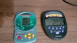 Dois mini games portáteis POKER e BATTLESHIP