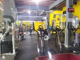 Academia de musculação aparelhos
