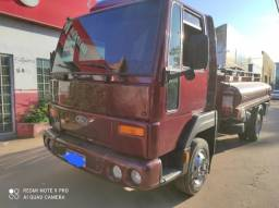 Ford Cargo 815 tanque 2003/03