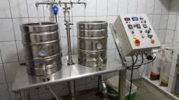 Maquina de cerveja automatizada.