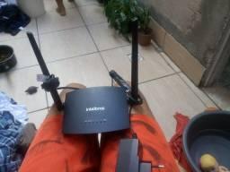 Roteador 2 antenas Intelbras seminovo