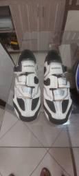 Sapatilha de Ciclismo Shimano com Taco