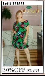 Vestido com estampa tropical