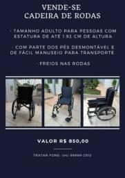 Vende-se cadeira de rodas nova
