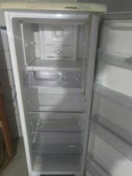 Geladeira Electrolux  Frost Free 390 Litros