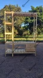Cabideiros em madeira a partir de 180 reais