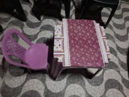 Título do anúncio: Mesa e cadeira infantil tudo por 20. PRATICAMENTE DANDO.