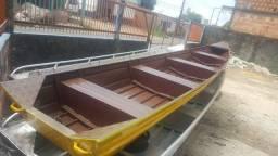 Canoas e botes de alumínio