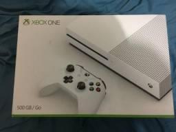 Xbox one com apenas duas semanas de uso! Novo na caixa!